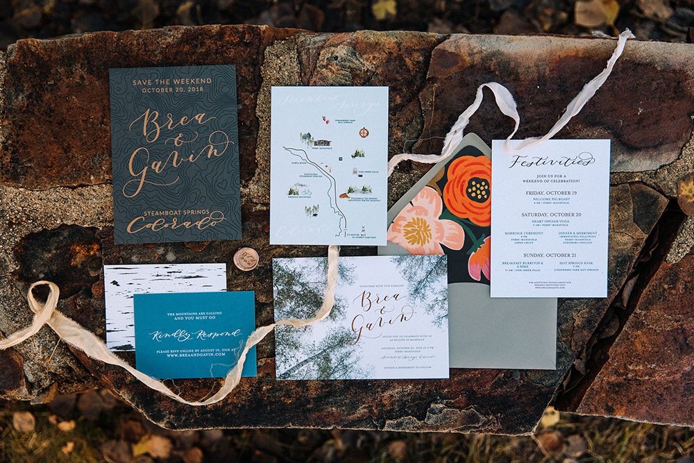 colorado-mountain-outdoor-wedding-invitation-suite